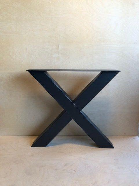 X-Poot €250,- afmetingen 100 x 100 mm