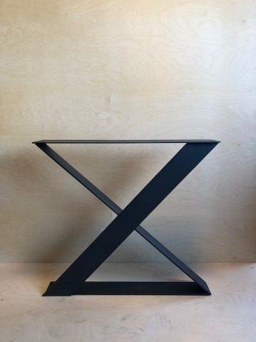 X-Poot uit plaat €250,- afmetingen 100 x 10 mm
